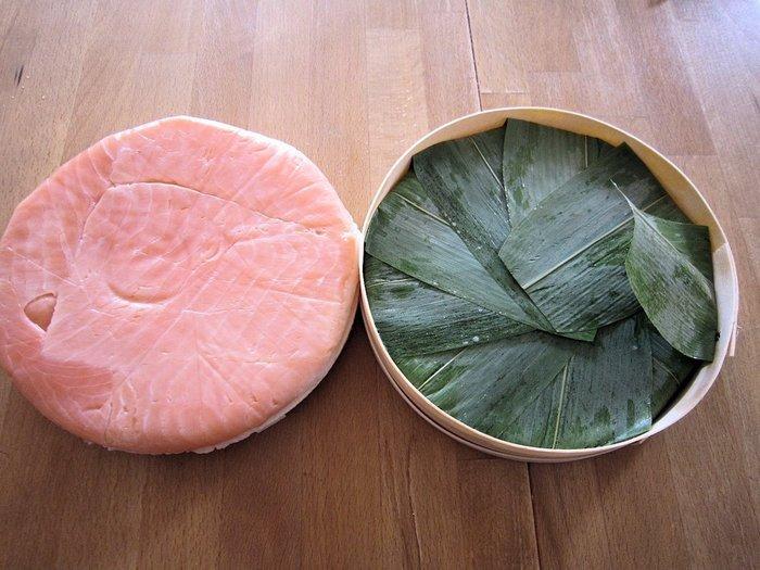 老舗の「青山総本舗」や「元祖 せきの屋」、予約必須の「扇一 ます寿司本舗」など。酸味がきいているものや生に近いフレッシュなものなど、自分のお気に入りの味を見つけてくださいね。