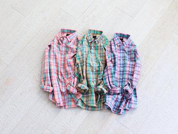 パッと目を引く鮮やかなボタンダウンシャツが登場!ありそうでないハイセンスな色使いに、思わずおしゃれ心がくすぐられます。
