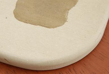 洗濯不要のバスマットとして一躍人気になった珪藻土。吸水性・速乾性が高く、臭いやカビにも強いので、とにかくお手入れが簡単!使う度に乾かしたり洗濯したりするのが面倒な方にぴったりです。