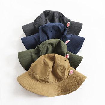 カラーは、ディープグレー、ネイビー、カーキグリーン、キャメルの4種類。どれもナチュラルで合わせやすい色味なので、どんなスタイルのファッションにもマッチしそうですね。