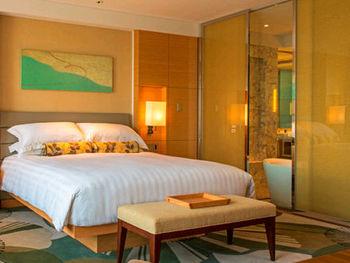 こちらのホテルの特徴として、宿泊者なら無料で利用できる、温泉スタイルのバスハウスがあります。さらに、サウナとミストも用意されています。旅の疲れを大浴場で癒すのも楽しみのひとつですね。 「インターコンチネンタルホテル大阪」のためだけに「TWG Tea」によってブレンドされた、名物のオリジナルティーでひと息ついてはいかがでしょうか?