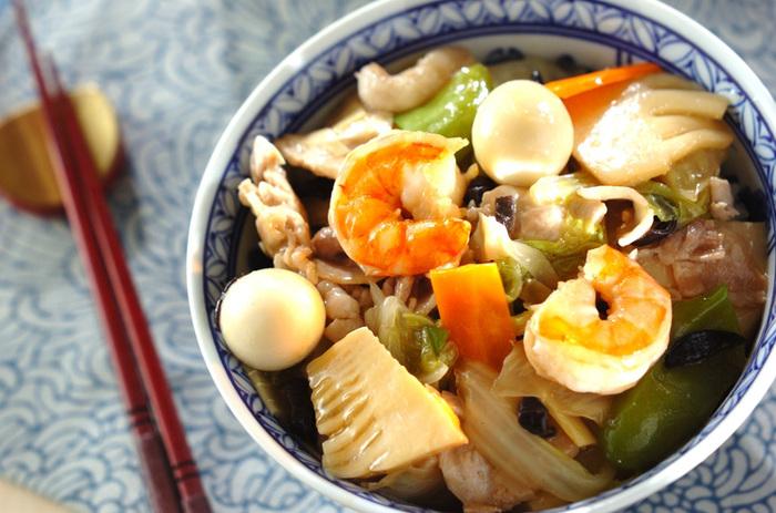 中華料理の食材は、タケノコやきくらげなどわざわざ買わなくてはいけないものが多いですね。そんなとき、冷凍中華野菜ミックスがあれば、好きなときに好きな分だけ出して、中華料理が楽しめます。中華らしい食材が入ることで本格的で、さらにシーフードミックスも加えればより豪華な仕上がりに。(※こちらはイメージです)