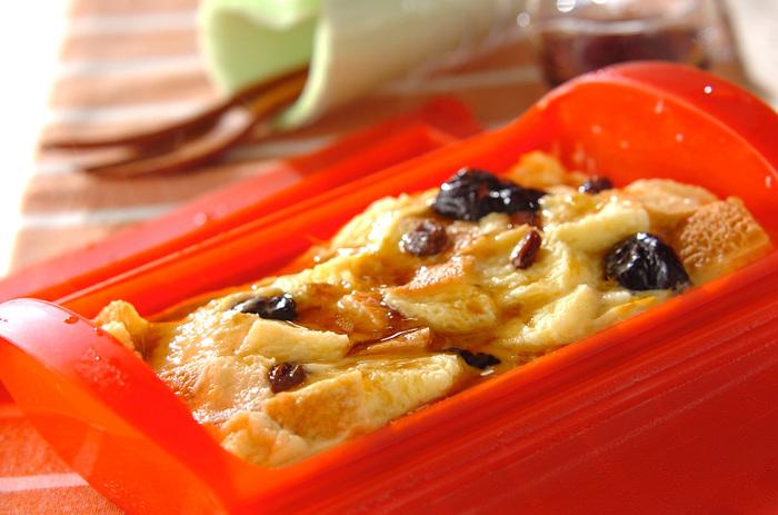 ■レンジパンプディング 鉄分豊富なプルーンとたまごを使ったパンプディング。レンジで5分加熱するだけと、とっても簡単に作れます。朝食や休日のブランチにぴったりです。