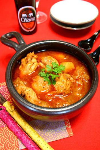 韓国の定番おかず「タットリタン」は食欲がわく味付けで、皆で囲むちゃぶ台ごはんにぴったりです。