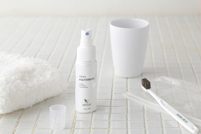 口の中の細菌を減らしてくれるマウスウォッシュは、口臭・歯周病予防に役立ちます。  「歯磨きの代わり」ではなく、「歯磨き+フロスにプラスする」といった使い方で取り入れて。 きつい香りが苦手な方には、こちらの無香料のマウスウォッシュがおすすめ。