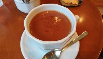 カフェには甘さを抑えた『ショコラショ―』のメニューもありますよ♪
