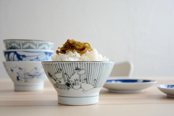 フィンランド生まれの人気キャラクター「ムーミン」の愛らしいお茶碗。キャラクターものというと普通子供っぽいイメージですが、こちらのお茶碗はシンプルなトーンで描かれているので大人が使っていても違和感ありません。