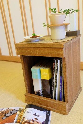 ティータイムには、コーヒーテーブルとしても使えます。お気に入りの本を読みながら、ゆったりとした時間を楽しめそうですね。