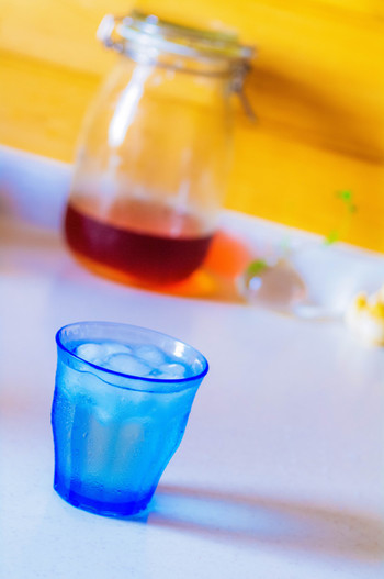 梅ジュースは、2週間後くらいから飲むことができます。4倍くらいの水や炭酸水で割ってどうぞ。