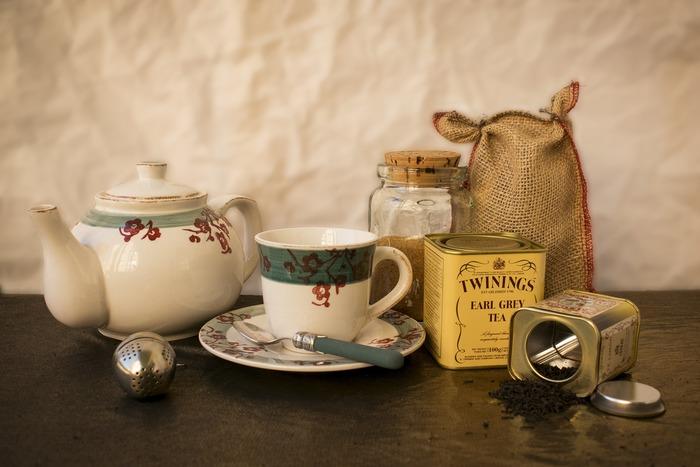 アールグレイの茶葉は実は明確には定められていません。アールグレイが実はフレーバーティーだとご存知でしたか。セイロンにベルガモットの香りを付けたものです。