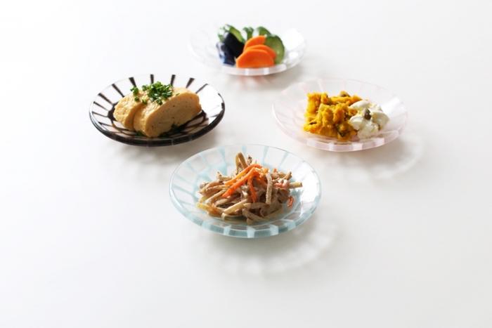 こちらは直径約13㎝の可愛い「丸鉢」です。和え物や煮物などの副菜をはじめ、たまご焼きやお漬物、フルーツやお菓子など幅広い用途に活躍してくれます。独特の繊細かつ美しいモザイク模様が、様々なお料理を引き立ててくれますよ◎。