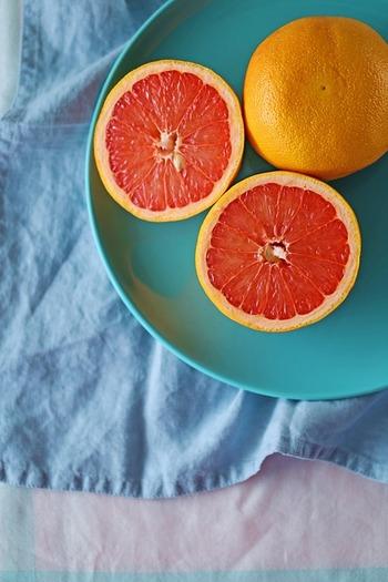 今が旬の「夏みかん」や「甘夏」「日向夏」「グレープフルーツ」「デコポン」といった柑橘類スイーツをご紹介しましたが、いかがでしたか?今しか味わえないフレッシュな果物たちをスイーツにして、こころゆくまで味わいましょう。