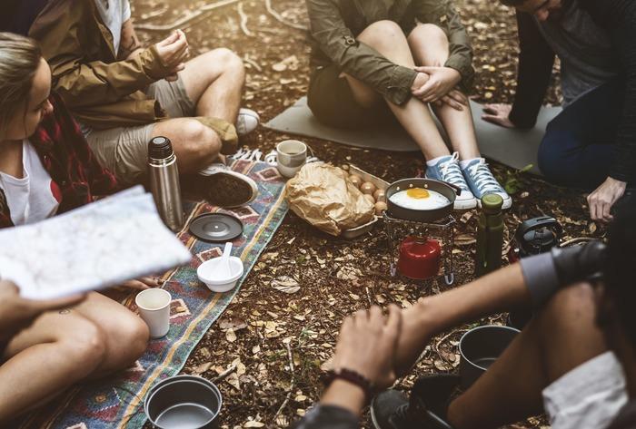 家族と、恋人と、友達と…自然の中でゆっくりのんびり過ごすひとときは、リフレッシュにもなり、至福の時間。キャンプシーズン到来!キャンプを始めるのに、ぴったりな季節です。みなさんも、思い切ってキャンプに出掛けてみませんか♪