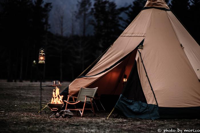 自然の中でのんびりしたり、美味しいご飯を食べたり、読書をしたり…普段なら当たり前の日常も、自然の中では特別な時間に。みなさんも自然の美しさや偉大さを感じに、はじめてキャンプに出掛けてみませんか♪