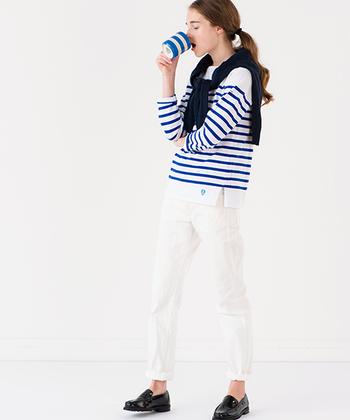 """ボーダーTシャツやトートバッグなど、おしゃれなアイテムを展開するフランスのマリンウェアブランド「ORCHIVAL(オーシバル)」。1939年の創業当時から愛されてきたバスクシャツは、日本でも根強い人気を誇るロングセラーアイテムです。着こむほどに体に馴染み、デニムのように""""育てる""""ことを楽しみながら長く愛用できます。"""