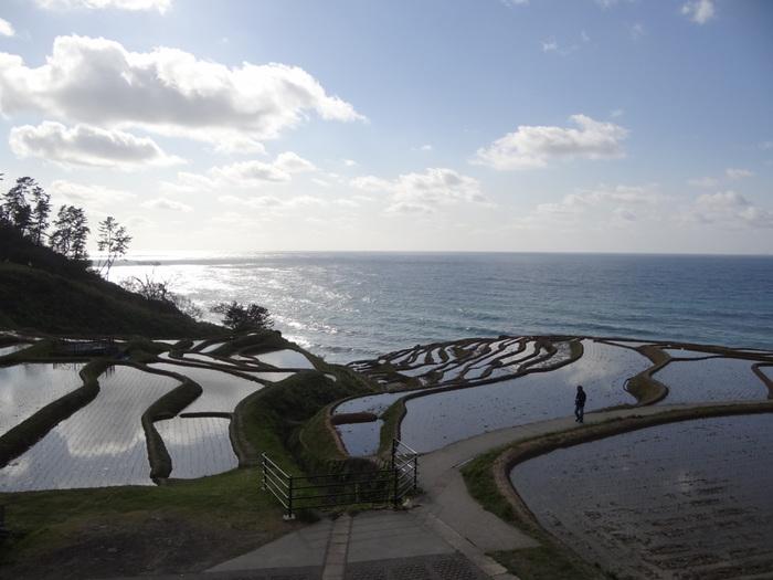 県の北部、三方が海に面した能登半島全域が能登エリア。白米の千枚田や、千里浜なぎさドライブウェイなど、絶景・観光スポットもたくさんあります。このエリアからは石川県でも特に人気の温泉「和倉温泉」をご紹介します。