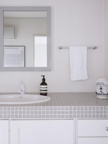 予洗いは2〜3分かけて、丁寧にぬるま湯で髪の毛をすすぎます。この予洗いで大半の汚れは落ちると言われているので、次のシャンプーのためにも、しっかりと汚れを洗い流しましょう!