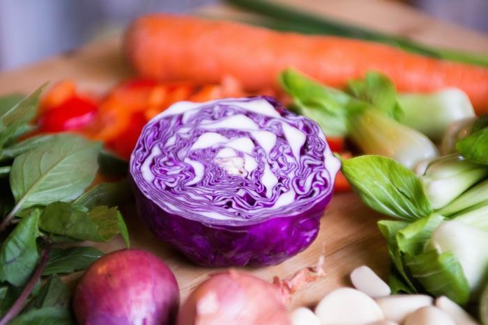 毎日の食事を1から準備するのは時間も手間もかかって大変ですが、あらかじめ「カット野菜」を作っておけば、メイン料理も副菜も時短で簡単に調理できます。 調理時間を短縮したい方はもちろんのこと、「作り置きおかずは便利だけど、なかなか続かない…」、「毎日できたての美味しい料理を食べたい!」という方にもぜひおすすめです。