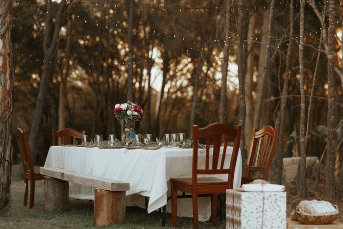 例えば食事一つにしても、外は暗く寒いからこそ心が温かくなるようにテーブルウェアにこだわります。デコレーションでテーブルの上を飾ったり、彩り豊かな食器を使うことでより明るいテーブルになり、心も温かい気持ちになります。