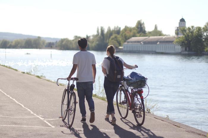 心地よい風を感じられる初夏はサイクリングに最適な時です。疲れなど感じることなく、どこまでもこいで行きたくなりますね。