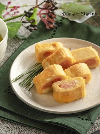 お子さんも喜ぶ、たらことチーズの組み合わせ。お弁当に入っていると喜ぶこと間違いなしの一品です。