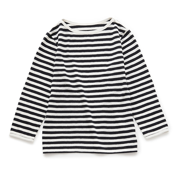 珍しいリネン100%のボーダーシャツ。 しっかりとした生地感で夏以外も楽しめます。 落ち着いた雰囲気で大人っぽく着こなせる一品です!