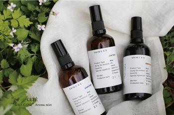 お洋服やハンカチなどに軽くスプレーしておくと、優しい香りがふんわりと香ります。天然発酵成分の力で除菌効果もあるんですよ!