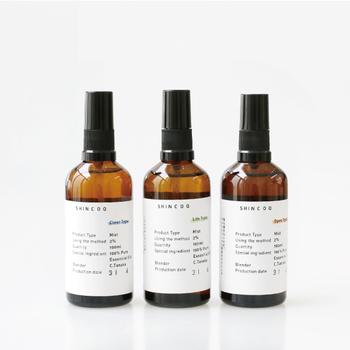 100%天然のエッセンシャルオイルをブレンドしたアロマミスト。「深呼吸したくなる香り」をテーマにしてアレンジされています。