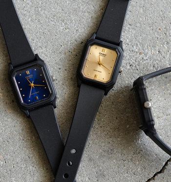 汗、キズ、匂いが気にならないタフなラバーバンドと、盤面の上品で洗練されたメタリックカラーを使用したデザインのギャップがとても魅力的。アウトドア向きの時計の中でも「カジュアルすぎないデザイン」が好みの方にオススメです。
