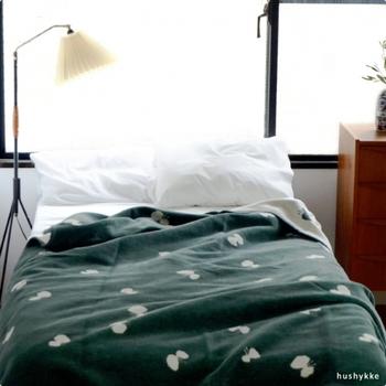 クッション同様のカラー展開で、お部屋のコーディネートも素敵にきまりそう。