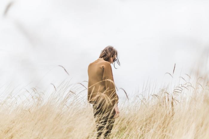 涙にはストレス軽減の効果がありますが、無理に涙を流しても良い効果は得られません。また、泣きたいのを我慢すると反対にストレスを溜めることになってしまいます。