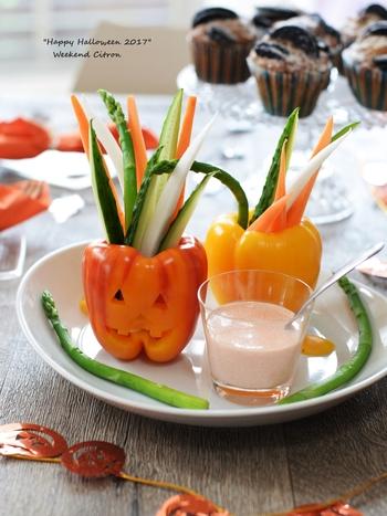 こちらも、お子さまが大好きなたらこを使ったディップ。こんな風に、可愛らしい盛り付けにしてみると、楽しく食べてくれるかもしれませんね!
