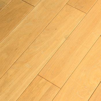 擦ったり、ぶつけたり・・・意外と傷がつきやすいのが床です。張り替えるのは大変だし、傷が付きやすいのは決まっていたりするもの。上手に対策をして、綺麗な床を守ってあげよう。