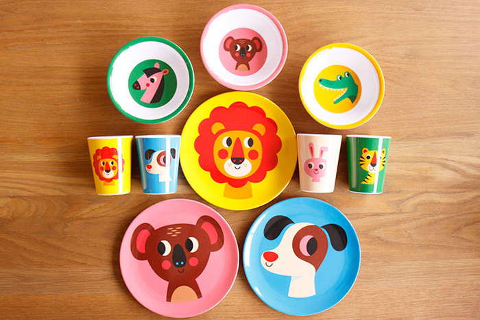 子どもたちが大好きな動物のイラストが目を引くスウェーデン製の食器たち。落としても割れない頑丈な作りなので、まさに日常使いにぴったり!