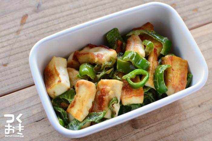 ヘルシーで良質なたんぱく質をもつはんぺんは、ダイエットにおすすめの食材。ピーマンと和えるだけで簡単にできるレシピです。