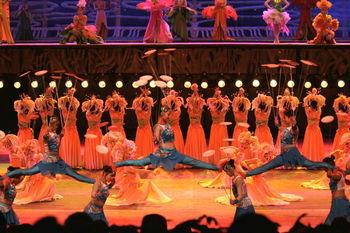 深圳NO.1観光スポット。中国で暮らす少数民族の衣装や暮らしぶりを見ることができます。中でも園内各地で開かれる少数民族の華麗なショーは必見。1日中いても飽きない、見所満載のテーマパークです。