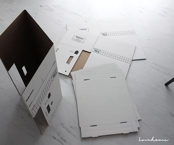 シンプルなデザインのなかにも、アメリカらしい合理的な機能美が溢れています。マスキングテープやラベルなどをまっすぐ貼れるように、ガイドが付いているのも嬉しいところです。
