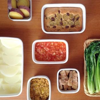 どんな料理にも合うシンプルなデザインと清潔感のあるホワイトシリーズは、そのまま食卓に出しても器として素敵。