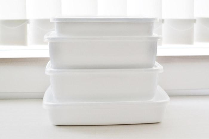 究極にシンプルなデザインと、温かみのある乳白色の色合い、そして清潔感。どれをとっても台所用品として優秀な野田琺瑯「ホワイトシリーズ」。下ごしらえ・調理・保存までを余裕で受け止めてくれる、頼れるアイテムです。