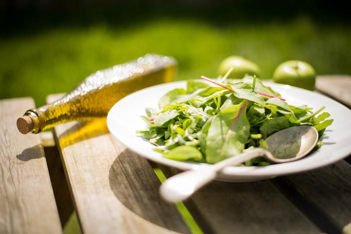 初夏の風吹く草原がレストラン♪おしゃれな「アウトドア・ランチ」を楽しもう
