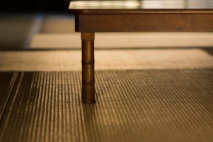 みかんスプレーを吹きかけた布で畳を拭くと、畳の黄ばみがスッキリ!黄ばみを防いでくれる効果もあるので、お掃除の時などの、このみかんスプレーを使ったお掃除法を実践すると、とても効果的です。