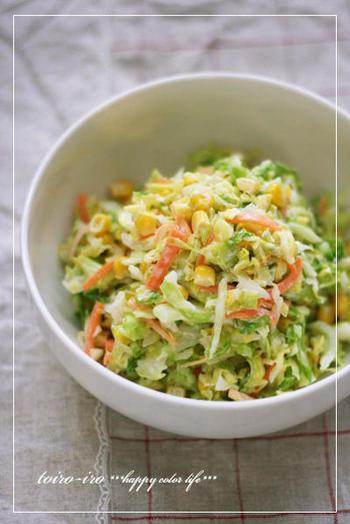 おとなも子どもも大好きなコールスローをジップロックで♪マヨネーズの増減はお好みで。  ポイントは、ジップロックからサラダボウルに移す際、すし酢でマリネした野菜の水分をしっかり絞ること! ↓↓