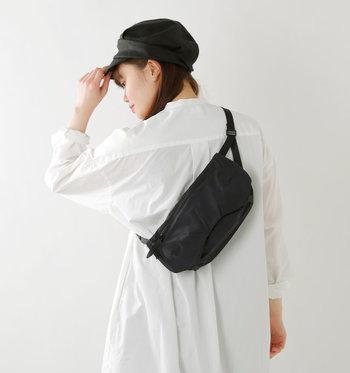 ウエストバッグを使えば、両手が空いた状態で活動することが可能です。一日しっかりお買い物を楽しみたい日や、アクティブな運動が必要な日でも、ウエストバッグなら邪魔になることなく必要な荷物を持ち歩くことができます。
