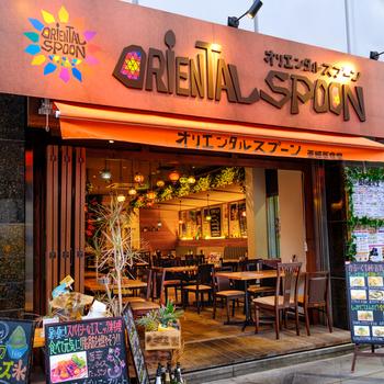 東梅田駅からほど近い、イタリアンバル×エスニック料理のお店です。  カジュアルな店内では、タパスのほかアジアンカクテルやアジアのビールも楽しめます♪