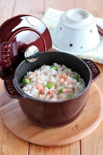 炊飯のためのお鍋なので、ふっくら感は格別。たらこの塩気とプチプチ感がアクセントになった、たまらない美味しさの炊き込みご飯です。