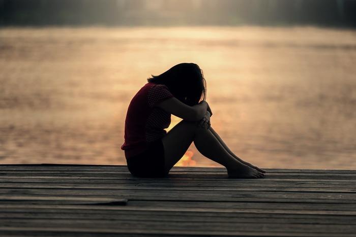 涙を流すことで副交感神経が優位になり、緊張や不安が鎮まります。一人でいる時に、人の目を気にせず思いっきり泣いてみましょう。泣いた後、どこかすっきりしている自分に気付けるはず。