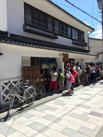 松本駅から徒歩約15分、松本城の本城正門から、徒歩約5分の距離にある美味しいおそば屋さんとして大人気の「蕎麦倶楽部 佐々木」。