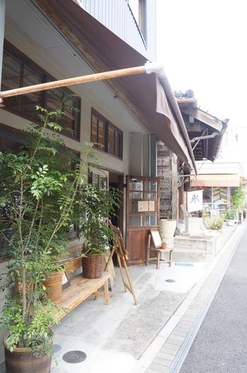 長谷寺の交差点近くに位置する、ほっこり優しい佇まいが印象的な「vuori」。
