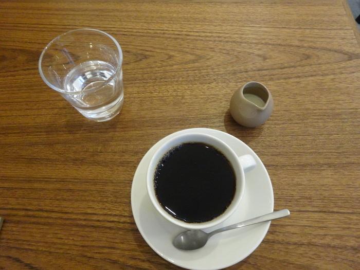 コーヒー好きな大人も唸るトボルコーヒーの深煎りは納得の美味しさ。長谷寺の紫陽花を見た後に、ホッと一息つける大人なコーヒーショップです。