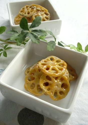 こちらは本場韓国でも有名とされる「スンチャンコチュジャン」を使ったレシピです。れんこんをシンプルに炒めた一品。お弁当やおつまみなどいろいろ活用できますよ♪